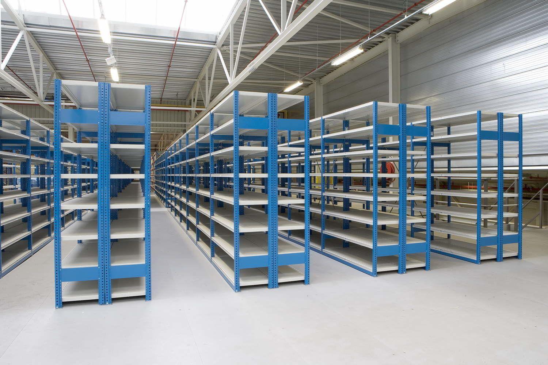 Недорогие стеллажи для склада по выгодной цене в Джанкое предлагает купить компания «Техностоун»